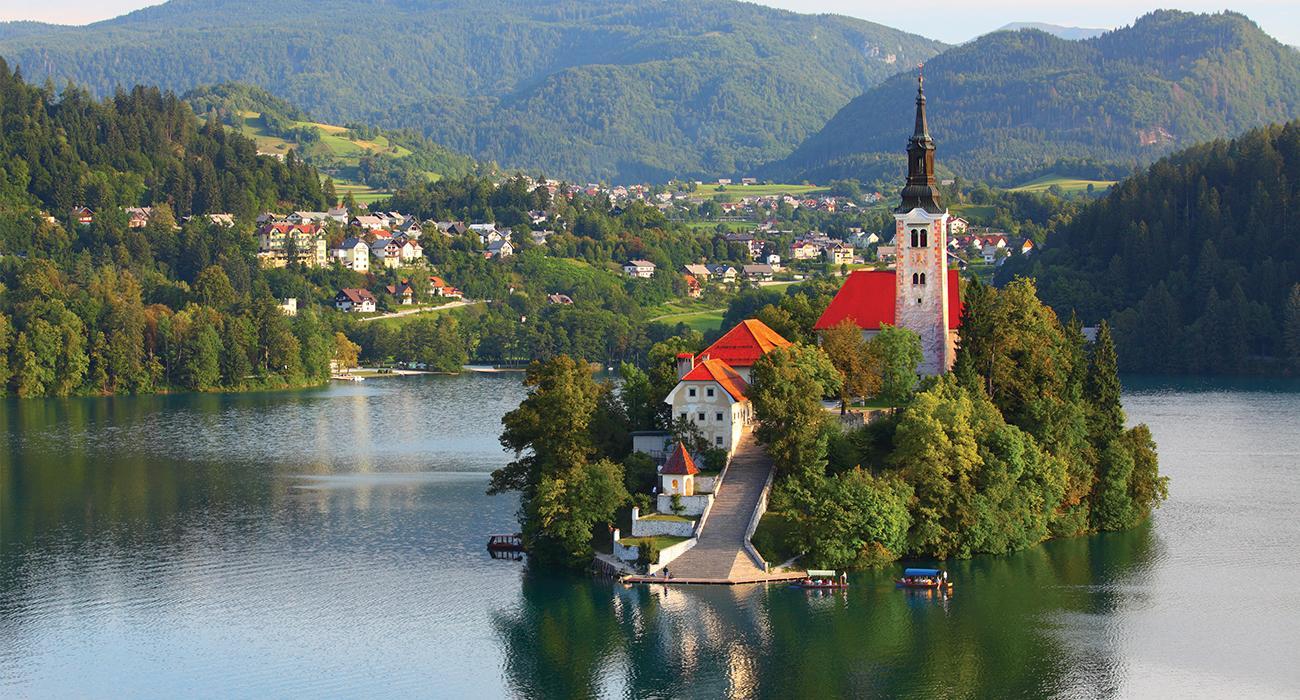 SLOVENYA'NIN GÖZ BEBEĞİ PİTORESK BLED