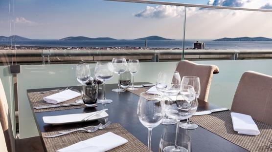 Adalar Manzarasına Nazır: Adalar Roof Restoran
