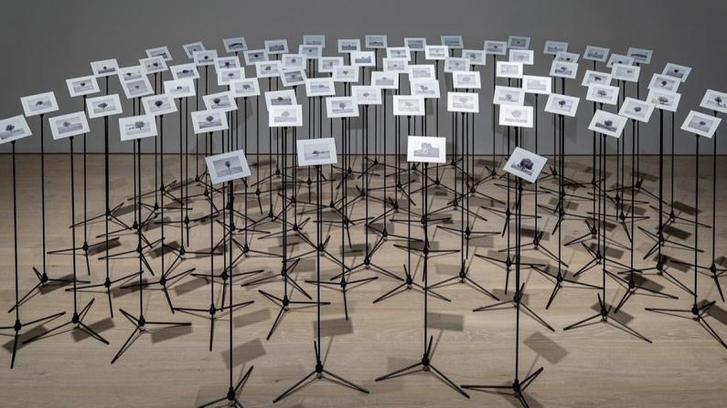 """Çağdaş Sanat ve Müzik Bir Arada: """"Dinleyen Gözler İçin"""" Sergisi"""