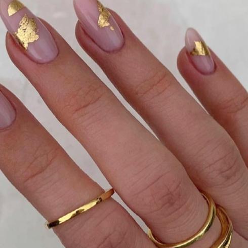 'Nail Art' Önerileri: Altın Tırnaklar