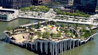 New York'ta Yüzen Eğlence Adası