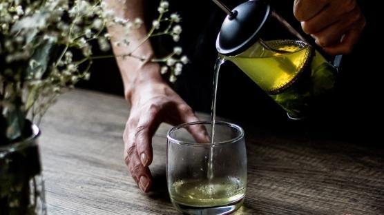 Metabolizmayı Hızlandıran İkili: Yeşil Çay-Ceviz